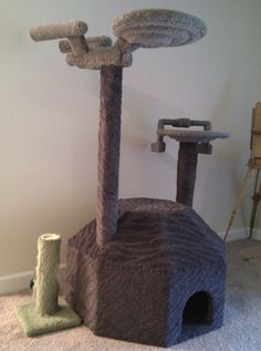 Star Trek Enterprise Cat Tree- this would be great with my wished for TARDIS kitty fort