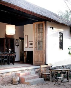 Satyagraha House, the place Mahatma Ghandi used to live in at his long stay in Joburg, South Africa. Many years later it was bought and renovated by Voyageurs du Monde part as guest house and part as museum. Bungalows, Outdoor Spaces, Outdoor Living, Indoor Outdoor, Rustic Outdoor, Interior Exterior, Interior Design, Porches, My House