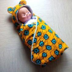 Couverture nid d'ange en tissu wax pour nourrissons et poupées Slippers, Shoes, Fashion, Nest, Men Wear, Kid, Moda, Sneakers, Zapatos