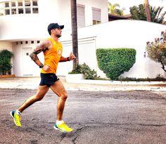 Bom dia pra quem ficou no happyhour da empresa ontem comeu igual um ogro acordou pesando duas toneladas e foi fazer intervalado extensivo!! To morto mas to vivo! E o que importa é que é SEXTA!! Quem já treinou hoje levanta o dedo aí!  . #acordapracorrer #focanacorrida #rwbrasil #marcelocamargotreinamento #correrecompartilhar #brasilrunners #runitfast #euatleta #marathon #vccorrendo #corredoresamigos #viciadosemcorridaderua #endorfina #foco #vidadeumcorredor #vidadeatleta #worlderunners…