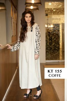 This is very latest style evening wear women dresses in Pakistan. Theses evening dresses are very ideal for women evening parties and other evening functions.