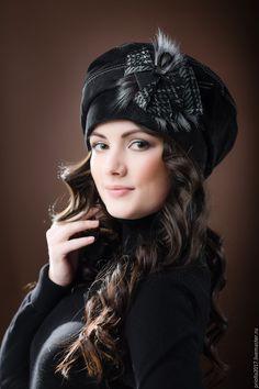 Stylish Hats, Stylish Eve, Stylish Dress Designs, Stylish Dresses, Beret Outfit, Kurta Neck Design, Chic Fashionista, Lovely Girl Image, Hair Cover