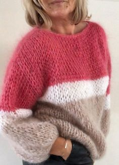 Women& Shrug Cape Shoulder Warmer Mini Poncho Hand Knit Sweater Many Colors available Sweater Knitting Patterns, Knitting Designs, Knitting Projects, Hand Knitting, Mohair Sweater, Hand Knitted Sweaters, Cozy Sweaters, Big Sweater, Handgestrickte Pullover