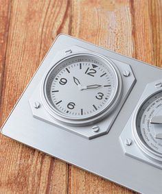 しれっと置くだけでかっこいい置き時計。「World Time Clock」 時計部分の画像