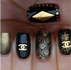 Channel nail art<3