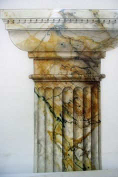 Vert de Mer. Marmormalerei | DekorationsMalerei Karin Hänni. The problem with a lot of faux these days is the level of artistry doesn't matter. It does to me, and I do know the difference. This column is a good example of fine art. Leodowellinteriors.com