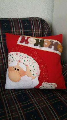 Christmas Cushions, Christmas Pillow, Christmas Snowman, Christmas Time, Holiday, Christmas Crafts, Christmas Decorations, Felt Patterns, Decorative Pillows