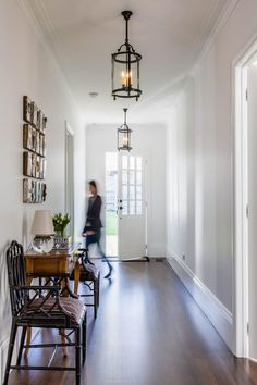 Where To Use Feature Lighting Hamptons Style Homes, The Hamptons, Beautiful Wall, Beautiful Homes, Custom Cushions, Oak Dining Table, Geometric Wallpaper, Grand Entrance