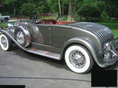 1933 Duesenberg II Murphy Roadster Maintenance/restoration of old/vintage… Old Vintage Cars, Vintage Trucks, Antique Cars, Classic Motors, Classic Cars, Auburn, Duesenberg Car, Automobile, Auto Retro