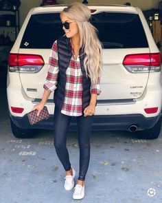 46 Beautiful Weekend Casual Outfits For Women letterformat.site The post 46 Beautiful Weekend Casual Outfits For Women letterformat.site appeared first on Casual Outfits. Perfect Fall Outfit, Casual Fall Outfits, Fall Winter Outfits, Autumn Winter Fashion, Winter Vest, Casual Winter, Fall Fashion Vest, Casual Fall Fashion, Winter Outfits Women 20s