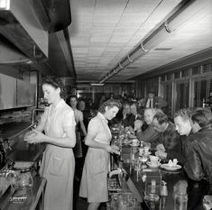 Taste of a Decade: A Glimpse Inside American Restaurants and Cafeterias in the 1940s. #vintage #restaurants #1940s