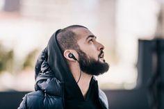 Da B&O arriva il nuovissimo BeoPlayer H5 un set di cuffie che offrono un'esperienza audio wireless coinvolgente che dà carattere...
