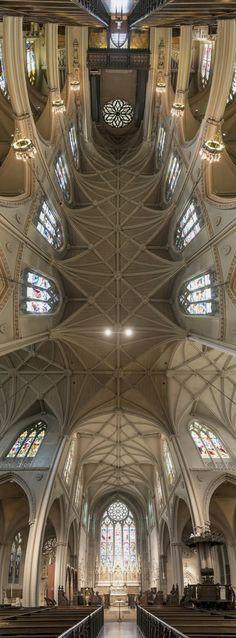 O fotógrafo Richard Silver teve uma ideia muito bacana, fotografar todas igrejas de New York de uma forma bem diferente. As fotos são panorâmicas verticais, que enfatizam o teto algo que sempre me …