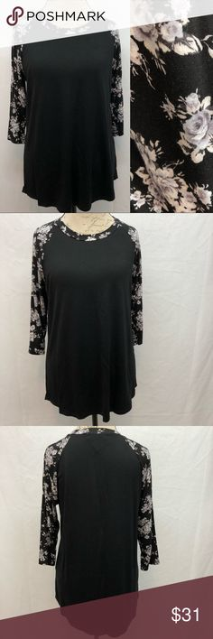 """Mayberrys Floral Top Mayberrys Black/white floral top. NWT no flaws condition. Size Large. Armpit to armpit 20"""". Shoulder to bottom hem 28"""". Mayberrys Tops"""