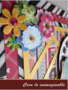 Te traemos un LO muy colorido de #texturarte, no te lo pierdas, quedó muy bonito, checa los detalles !!! http://crea-lo-inimaginable.blogspot.mx/2015/10/amigs-de-toda-la-vida.html #scrapbook #manualidades #crafting #scrapbooking