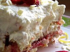 This bomb cake will explode in your mouth with flavor! Everyone loved this Strawberry Bomb Cake! 1 cup strawberry jam cup warm water cup orange juice cup Grand Marnier, plus one tablespoon 13 Desserts, Brownie Desserts, Pudding Desserts, Dessert Recipes, Fruit Recipes, Recipies, Layered Desserts, Plated Desserts, Recipes Dinner