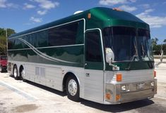 Eagle Model 15 Bus Conversion ... Sweet deep green! Nice Bus, Bus Rv Conversion, Used Rvs For Sale, Luxury Bus, Buses And Trains, Motor Homes, Silver Eagles, Busses, West Palm Beach