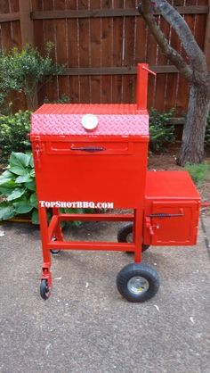 TSI -24 reverse flow smoker #topshot #bbq #smoker Bbq Grill, Grilling, Custom Smokers, Custom Bbq Pits, Welding Ideas, Cookers, Smoking Meat, Stoves, Fire
