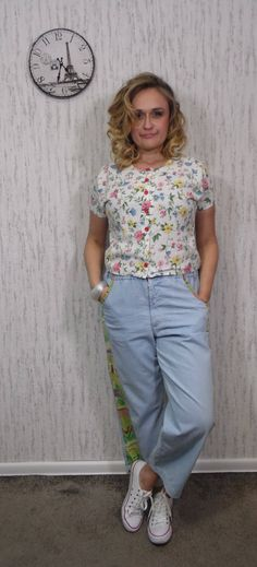 Vintage top by SweetSpicyVintage on Etsy Flower Shirt, Vintage Tops, Spring Flowers, Vintage Outfits, Shirts, Clothes, Etsy, Style, Fashion