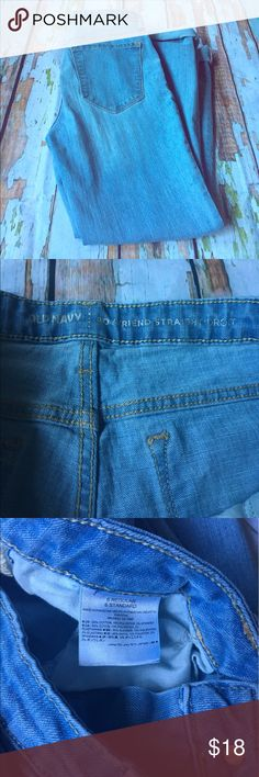 Old Navy Boyfriend Straight Leg Jeans Great boyfriend jeans in EUC! Length shown is when cuffed (which is how jeans are supposed to be worn). Size 6. Old Navy Jeans Boyfriend