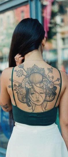 Geisha is an age old art which is now gaining popularity in tattoos. Geishas, the Japanese entertainers can be depicted in form of geisha tattoos. Japanese Cloud Tattoo, Japanese Hand Tattoos, Japanese Demon Tattoo, Japanese Back Tattoo, Chinese Dragon Tattoos, Japanese Tattoo Designs, Tattoo Girls, Cool Tattoos For Girls, Girl Back Tattoos