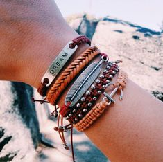 Purvida Bracelets, Beach Bracelets, Summer Bracelets, Hand Jewelry, Cute Jewelry, Jewelry Accessories, Cute Boyfriend Gifts, Bead Art, Vsco