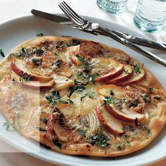Apfel-Pizza mit Gorgonzola