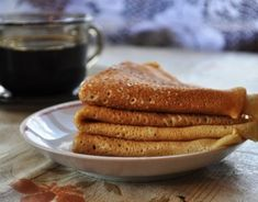 So easy and so yummy. This is the easiest and fastest crêpes recipe. Beignets, Pancakes, A Food, Food And Drink, Sauteed Cabbage, Cooking For One, Fresh Fruit, Matcha, Nutella