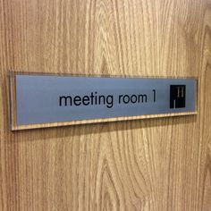 office door signs with company logo http://www.de-signage