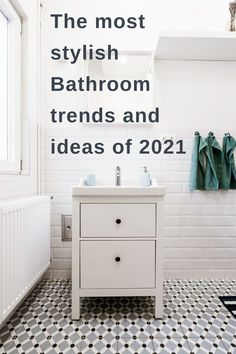 A gorgeous array of bathroom trends and ideas for 2021 including practical and the beautiful bathroom makeover ideas that could transform your room. A bathroom renovation makeover or update does not have to be a massive job and a simple touch that can make a huge difference. New Bathroom Designs, Bathroom Trends, Bathroom Interior, Home Hacks, Beautiful Bathrooms, Home Renovation, Cleaning Hacks, Design Trends, Decor Ideas