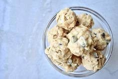 Peanut Butter Chocolate Chips Bites--Recipe at: stephanie-spring.com