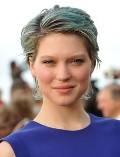 27 Trendy Short Haircuts For Women For 2014 27 Trendy Kurzhaarschnitte für Frauen für 2014 Short Hair Cuts For Women, Short Hairstyles For Women, Short Hair Styles, Latest Hairstyles, Short Haircuts, Chignon Bun, Lea Seydoux Adele, Androgynous Women, Blue Is The Warmest Colour