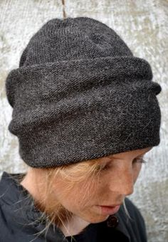 knitted toque with big fold over brim - oh i love this idea.