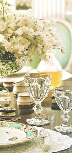 Elegant table ~ Albert Hadley