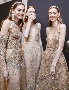 Elie Saab Spring 2017 Couture Fashion Show Backstage - The Impression Style Haute Couture, Couture Mode, Couture Fashion, Elie Saab Couture, Fashion Models, High Fashion, Fashion Show, Woman Fashion, Daily Fashion