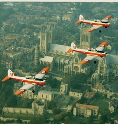 057ddb31601b De Havilland Chipmunk T.10 s of EFTS fly over Lincoln Cathedral  Experimental Aircraft, Royal