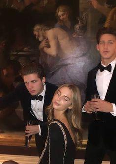 Gossip Girl, Estilo Ivy, Private School Girl, Super Rich Kids, Estilo Preppy, Trust Fund, Old Money, Classy Aesthetic, Thing 1