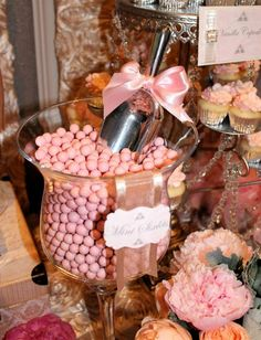 Candy at a Wedding (love the bow on the scoop!) #wedding  #candy