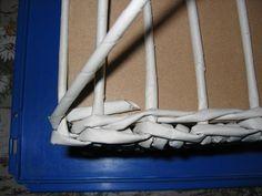 Pletení z papíru II. - vypletené hranaté dno - Tvoření pro radost a potěšení Ladder Decor, Home Decor, Decoration Home, Room Decor, Interior Decorating