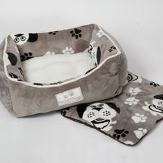 Dog Head Pet Bed with Removable Pillows