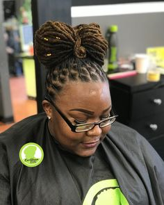 """169 mentions J'aime, 2 commentaires - Sherelle Holder (@hairbyrelle) sur Instagram: """"LOC BOW Done at Karibbean Kinks. ☎️ Text 3019961285 to book.  Location 557 Ritchie Road,…"""" Dreadlock Hairstyles, Funky Hairstyles, Braided Hairstyles, Natural Hairstyles For Kids, Natural Hair Styles, Short Dread Styles, Short Dreads, Dreads Styles, Fresh Hair"""