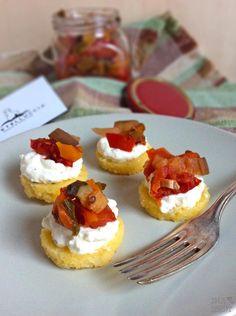 Ina Is(s)t: Castelluccia - Polentataler mit Fetacreme und pomodori con verdure miste