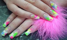 Summer nails in bright colors