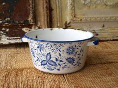 Dutch Delft Blue Vintage Porcelain Ware /// Vintage Bohemian Enamel Ware Pot /// Retro Kitchen Pan