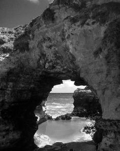 I can't believe I've reached 500 followers naturally in such a short time without following thousands just for followers back. Thank you all so much for your support of Camerateur and keep the tags coming! Here's one I @tugs_ward took on the great ocean road in Australia #camerateur #amateurphotography #amateurphotographer #happy #thankyou #nikon #canon #nikonphotographers #canon_official #canon_photos #australia #seeaustralia #greatoceanroad #victoria #ocean #rocks #arch #skyline #nature…
