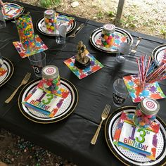 Bolling With Paintball Party Food And Decorations! Paintball Birthday Party, Birthday Party Tables, 10th Birthday Parties, 17th Birthday, Boy Birthday, Kids Party Themes, Party Ideas, Party Table Decorations, Art Party