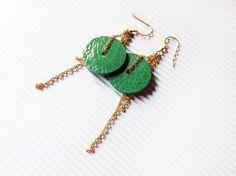Orecchini pendenti, Gioielli di carta, orecchini turchesi con catenina dorata, orecchini minimalisti, orecchini a disco by AlfieriJewelDesign on Etsy