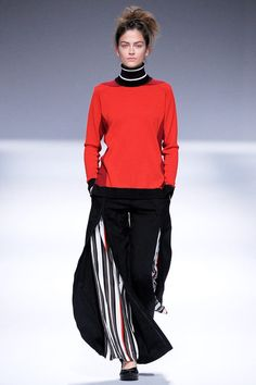 Issey Miyake Fall 2013 Ready-to-Wear Collection Slideshow on Style.com