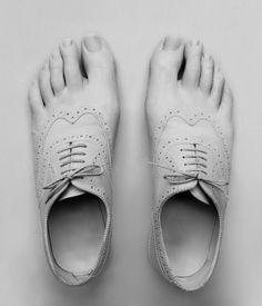 Juliette Bates - de chaussures sont faites de la peau série 2009