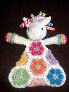Renske Creatief: Knuffel-dieren haken, Leeuw en Eenhoorn Crochet Square Patterns, Crochet Animal Patterns, Stuffed Animal Patterns, Crochet Patterns Amigurumi, Crochet Animals, Crochet Toys, Baby Girl Crochet, Love Crochet, Crochet For Kids